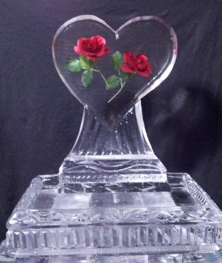 Small Heart with Roses on Back of 20 Inch Tray
